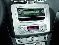 DIN audio adaptér panelu stříbrný