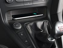 ACV* Bezdrátová nabíjecí souprava Qi integrované řešení přizpůsobené modelu vozidla