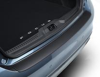 ClimAir®* Ochranná lišta prahu zavazadlového prostoru lišta v kostkovaném designu, tvarované v matně šedé barvě