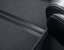 Podlahové koberce Performance přední sada v černé barvě