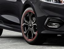 """Lichtmetalen velg 17"""" 5 x 2-spaaks Y-design, zwart gespoten met rode accentring"""