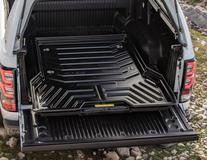 Platformă de încărcare glisantă Pickup Attitude* , negru mat