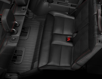 Gumové rohože v provedení se zvýšenými okraji pro 3. řadu sedadel v černé barvě