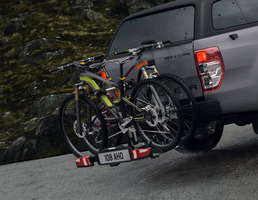 Uebler* Porta-Bicicletas Traseiro X31-S, adequado para 3 bicicletas, inclinável 60º.